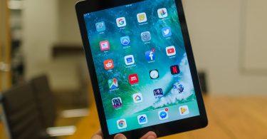 Apple iPad (2017) tab