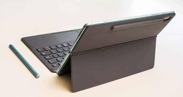 Samsung Galaxy Tab S6 on keyboard