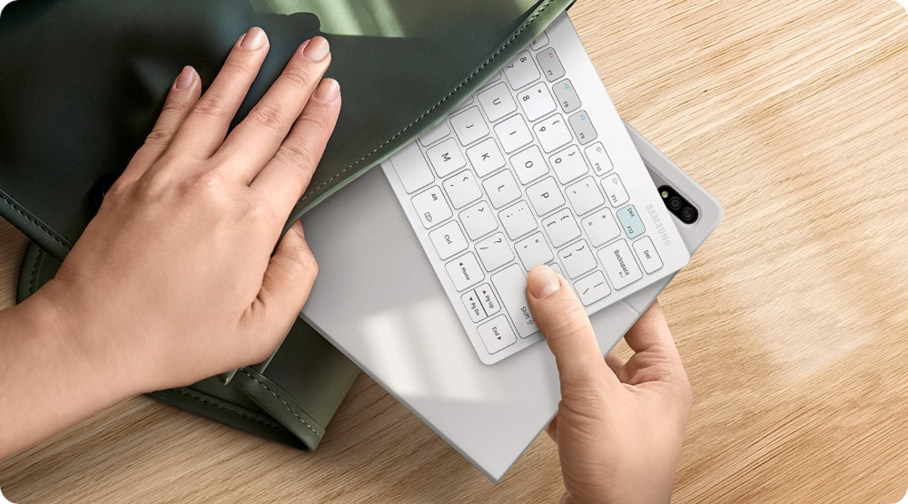This is Samsung Smart Keyboard Trio 500